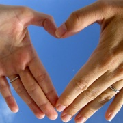 800px-Two_left_hands_forming_a_heart_shape